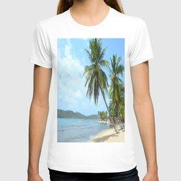 The Caribbean beach 01 T-shirt