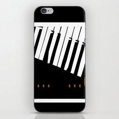 BROKEN  P . . . AN . . . O iPhone & iPod Skin
