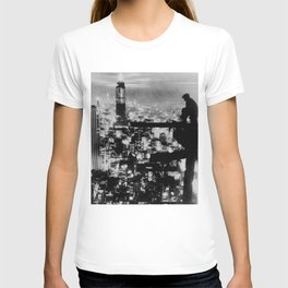 New Yorker Sitting On A Ledge T-shirt