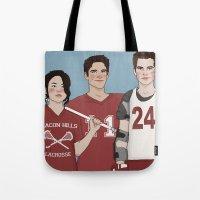 stiles stilinski Tote Bags featuring Scott McCall/Stiles Stilinski/Kira Yukimura Lacrosse by vulcains