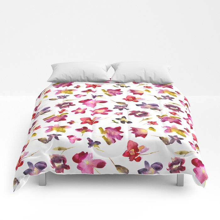 Floral vibes in watercolor Comforters