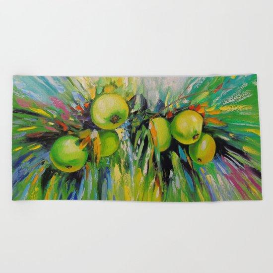 Juicy apples Beach Towel
