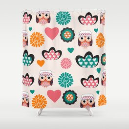 Owls and hearts Shower Curtain