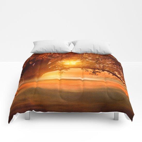 Romance in autumn Comforters