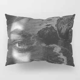 Portrait rock black white Pillow Sham