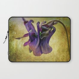 A heart that never hardens... Laptop Sleeve