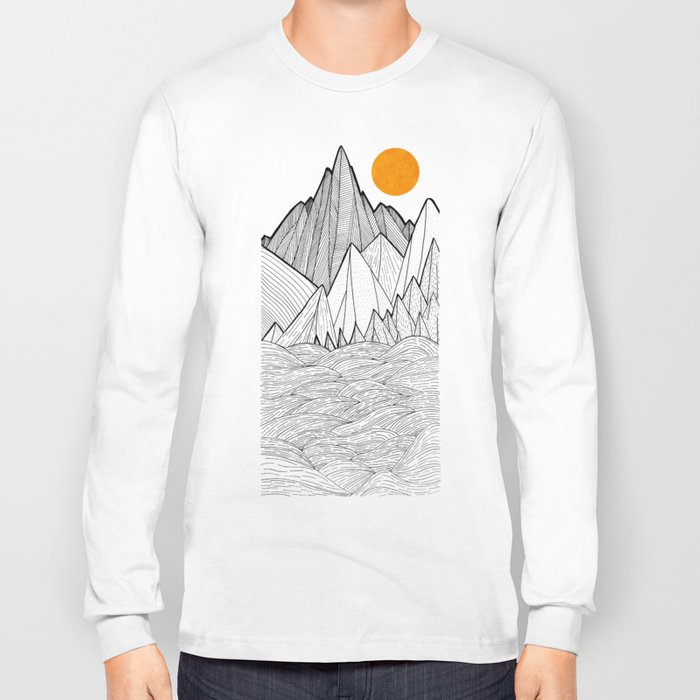 The waves and the mountains under the sun Long Sleeve T-shirt