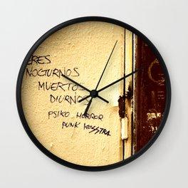 Palabras en la calle  Wall Clock