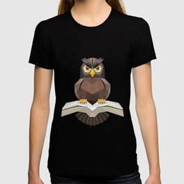 Vector, Brown Owl fly with the book T-shirt