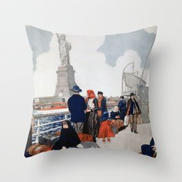 Vintage Immigrants & Statue of Liberty Illustration (1917) Throw Pillow