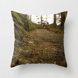 Caminos de Oregon Throw Pillow