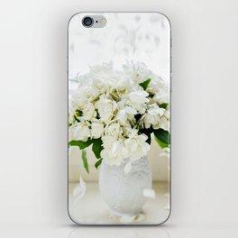Rosas blancas iPhone Skin