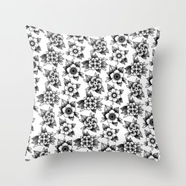 trad flowers Throw Pillow