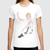 cassia beck T-shirts featuring Beck Hansen by Alfredo Torres
