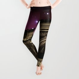 Spacey Metropolitan Museum Leggings
