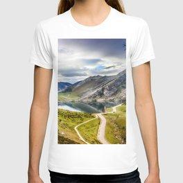 The Lakes of Covadonga, Enol T-shirt