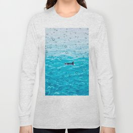 Orca Whale gliding through the water on a rainy day Long Sleeve T-shirt