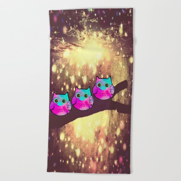owl-1 Beach Towel