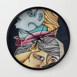 Descansando a la sombra de un arbol venenoso Wall Clock