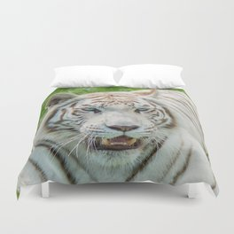 THE BEAUTY OF WHITE TIGERS Duvet Cover