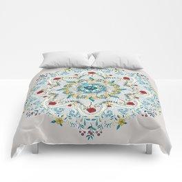 Nesting Comforters