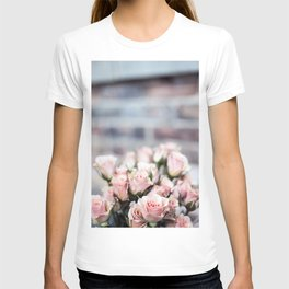 ROSES - PINK - PHOTOGRAPHY - FLOWERS T-shirt