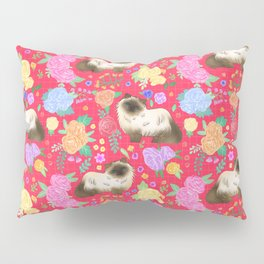 Ragdoll cat pattern in cherry red Pillow Sham