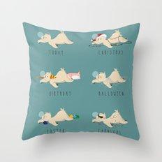 A sloth's life Throw Pillow
