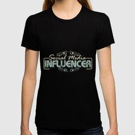 Social media influencer role model T-shirt