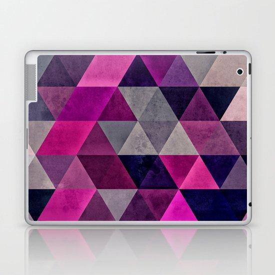 hylyoxrype Laptop & iPad Skin