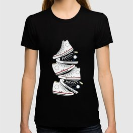 Sneakers black and white T-shirt