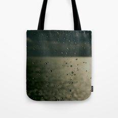 Screaming in the rain Tote Bag