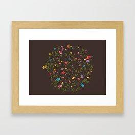 Jardim Circular Framed Art Print