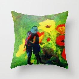 Dans les fleurs Throw Pillow