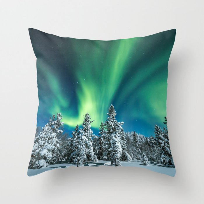 Nordlys Throw Pillow