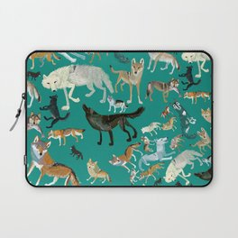 Wolves of the World Green pattern Laptop Sleeve