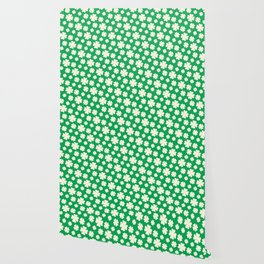 Off-White Four Leaf Clover Pattern with Green Background Wallpaper