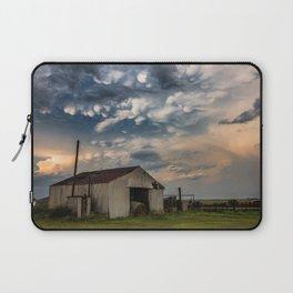 August Eve - Storm Sky Over Old Barn in Oklahoma Laptop Sleeve