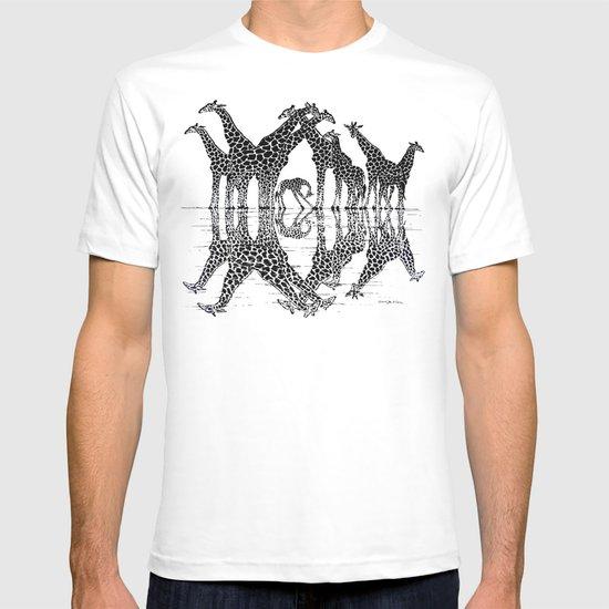 GIRAFFE RELFECTIONS T-shirt