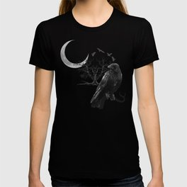 Raven with crescent moon, collage Gothic T-shirt