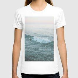 lets surf v T-shirt