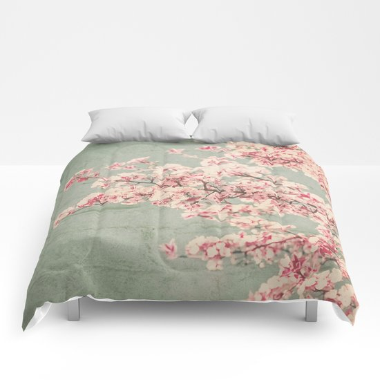 WALLFLOWERS Comforters