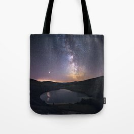 (RR 294) Milky Way above Lough Tay - Ire Tote Bag