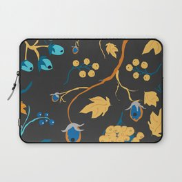 Red berry, Christmas Brier Spray Pattern. Hand drawn, whimsical, traditional style Laptop Sleeve