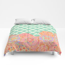 Floral Doodle on Mint Moroccan Lattice Comforters