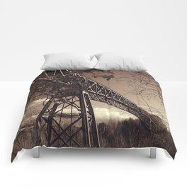 The mistery bridge. Retro Comforters