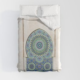 Fountain the Mosque of Hassan II in Casablanca, Morocco Duvet Cover