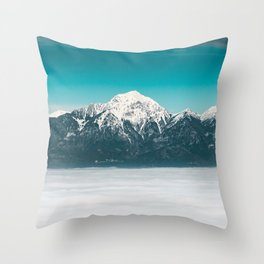 Sea of fog beneath the mountain Throw Pillow