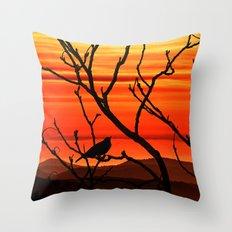 Blackbird's dusk Throw Pillow