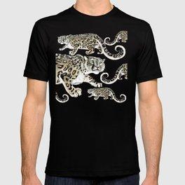 Snow leopard in green T-shirt